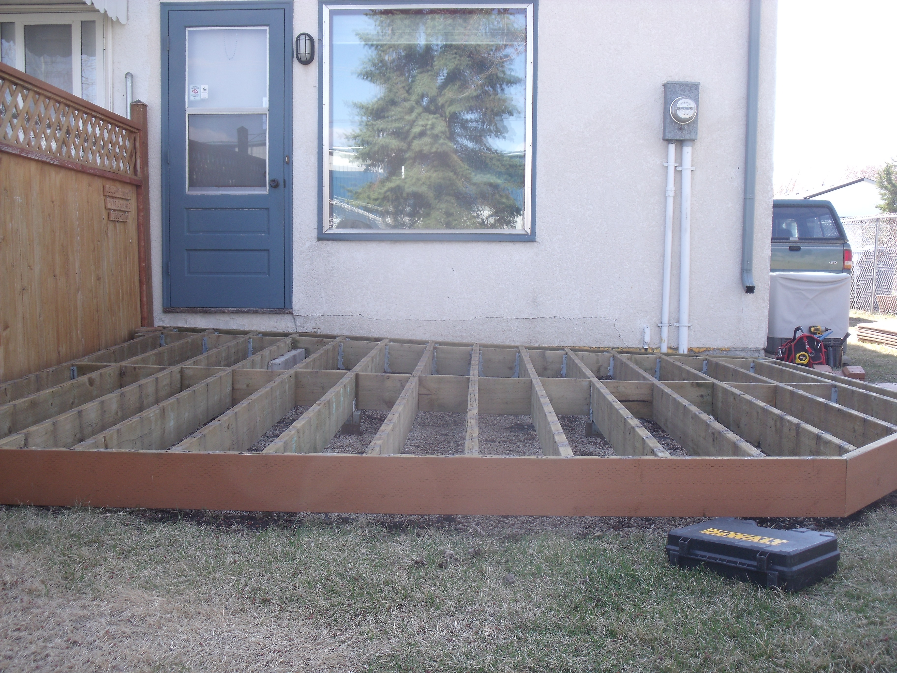 Diy customer builds low deck like a pro on postech screw piles determined to rebuild a solid deck that would last for many years to come patrick came across postech screw piles and decided to give us a call solutioingenieria Image collections